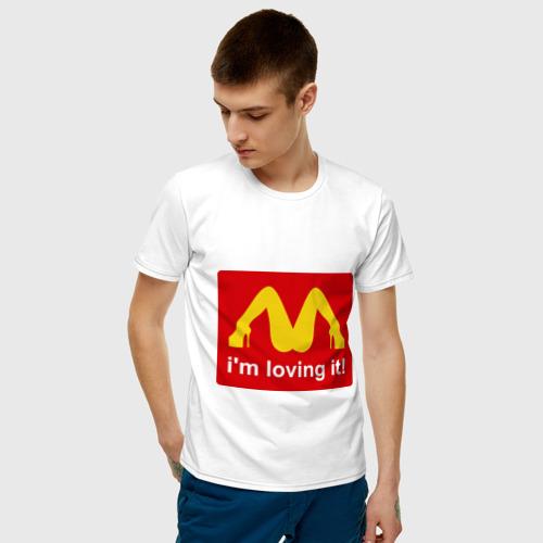 Мужская футболка с принтом I\'m lovin\' it!, фото на моделе #1
