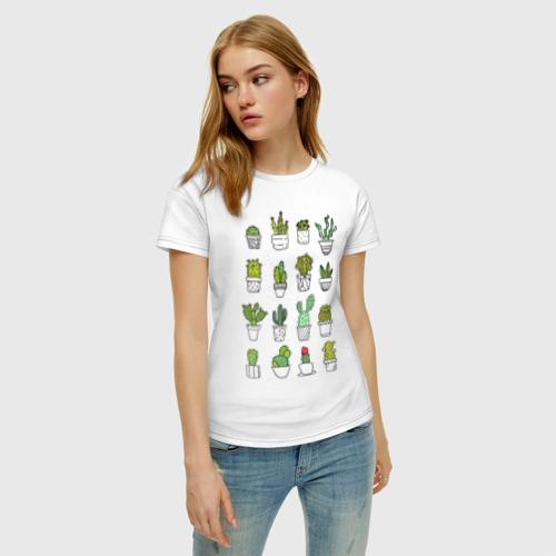 Женская футболка с принтом Cactus, фото на моделе #1