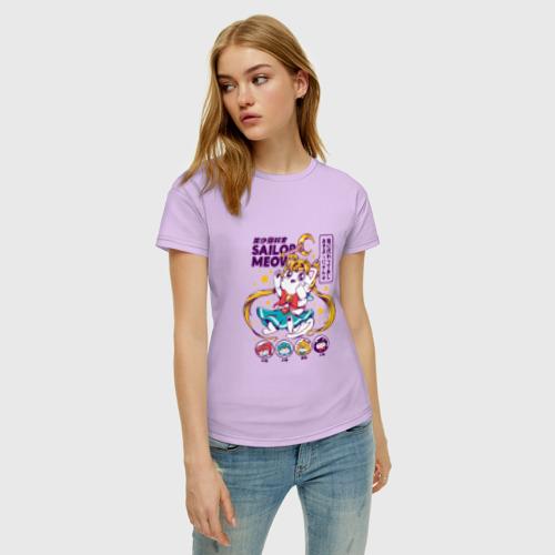 Женская футболка с принтом Sailor Moon, фото на моделе #1
