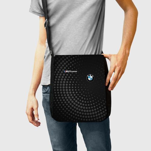 Сумка через плечо с принтом BMW, фото на моделе #1