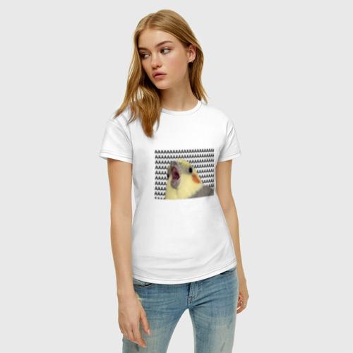 Женская футболка с принтом Орущий попугай, фото на моделе #1