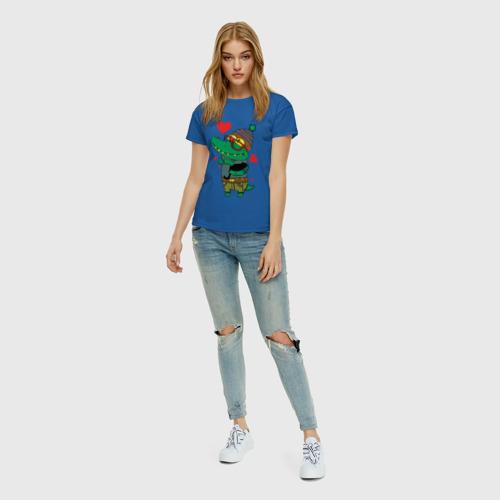 Женская футболка с принтом Модный крокодил, вид сбоку #3