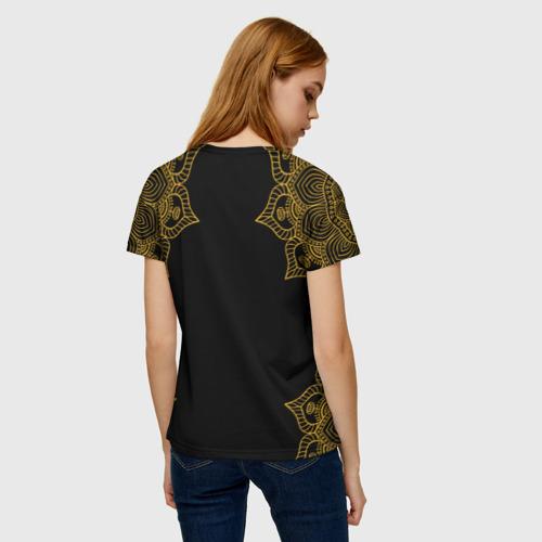 Женская 3D футболка с принтом Golden dragonfly, вид сзади #2