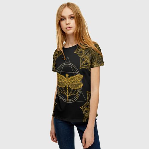 Женская 3D футболка с принтом Golden dragonfly, фото на моделе #1