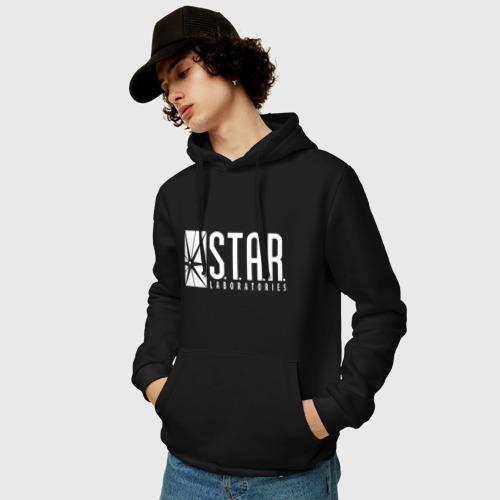 Мужская толстовка-худи с принтом STAR Labs, фото на моделе #1