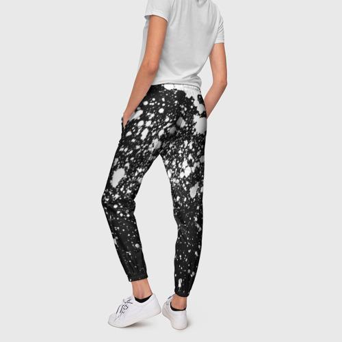 Женские брюки 3D с принтом Белая краска, вид сзади #2